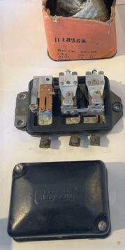 1946 1947 1948 1949 1950 1951 1952 Cadillac VOLTAGE REGULATOR 6 VOLT (New Old Stock?) FREE SHIPPING IN THE USA