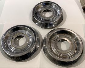 1953 1954 1955 1956 CADILLAC CHROME SABRE AND WIRE WHEEL HUB CAP CENTER Set Of 3 USED FREE SHIPPING IN THE USA