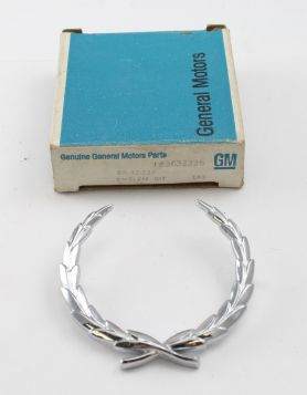 1966 1967 1968 1969 Cadillac Eldorado Fleetwood Series 75 Limousine (See Details) Rear 1/4  Wreath Crest NOS Free Shipping In The USA